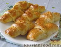 Фото к рецепту: Сырные рогалики