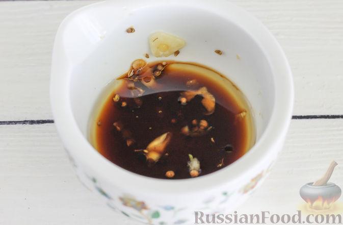Фото приготовления рецепта: Салат с курицей и апельсинами - шаг №10