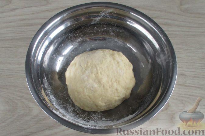 Фото приготовления рецепта: Вареники с квашеной капустой и картошкой - шаг №12