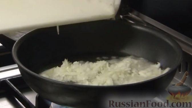 Фото приготовления рецепта: Салат из кольраби - шаг №3