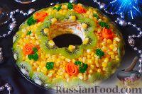 Фото к рецепту: Праздничный салат с курицей, кукурузой и киви