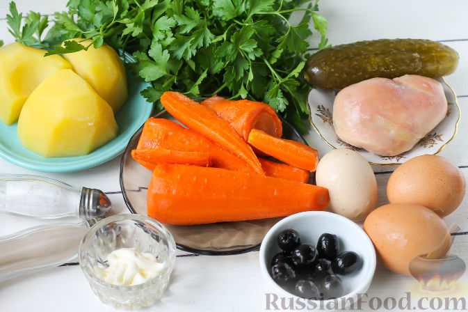 """Фото приготовления рецепта: Слоеный салат """"Собачка"""" с курицей - шаг №1"""
