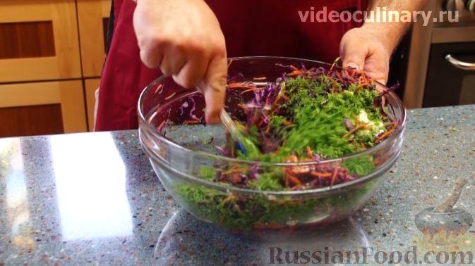 Фото приготовления рецепта: Творожное желе со сгущённым молоком и мандаринами - шаг №9