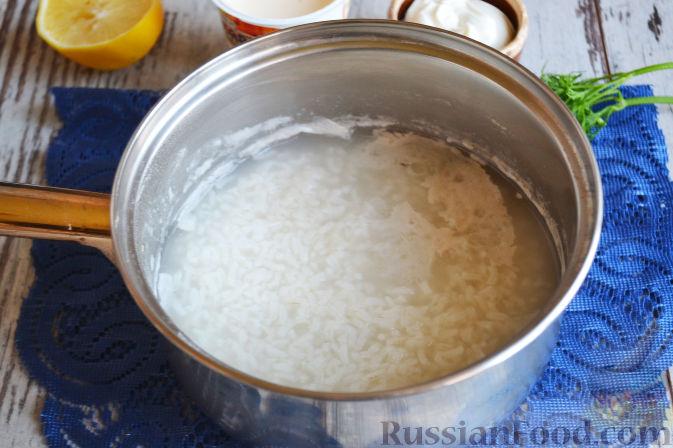 Фото приготовления рецепта: Салат с семгой и авокадо - шаг №2