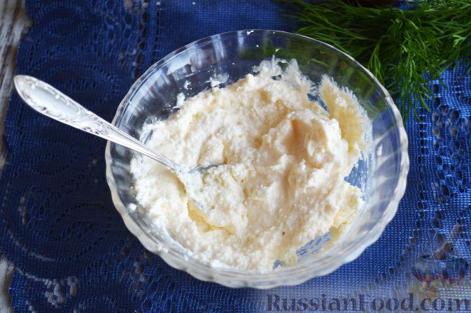 Фото приготовления рецепта: Салат с семгой и авокадо - шаг №5