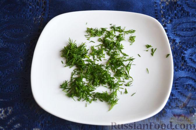 Фото приготовления рецепта: Салат с семгой и авокадо - шаг №8