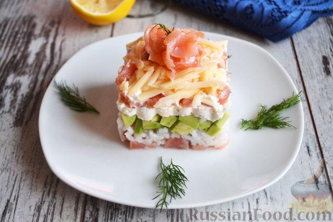 Фото приготовления рецепта: Салат с семгой и авокадо - шаг №17