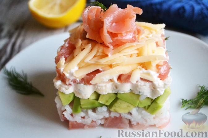 Фото приготовления рецепта: Салат с семгой и авокадо - шаг №18