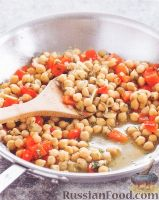 Фото к рецепту: Нут с чесноком и петрушкой