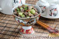 """Фото к рецепту: Салат """"Шаньдун"""" с говядиной"""