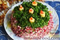Фото к рецепту: Слоеный салат «Новогодние свечи» с ветчиной