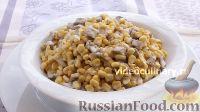 Фото к рецепту: Салат из кукурузы с грибами