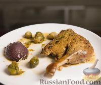 Фото к рецепту: Ароматная утка с брюссельской капустой (в духовке)