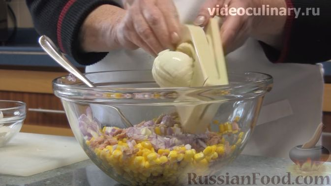 Фото приготовления рецепта: Куриные тефтели, запечённые с гречкой - шаг №11