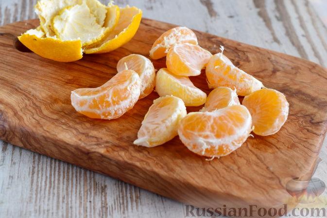 Фото приготовления рецепта: Салат с  курицей и фруктами - шаг №11
