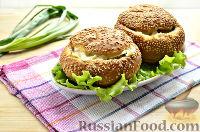 """Фото к рецепту: """"Сэндвичи"""" из булочек с колбасой и майонезом"""