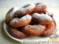 Фото к рецепту: Пончики в ложке (без раскатывания теста)