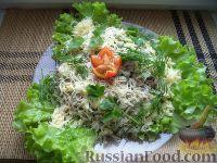 Фото к рецепту: Салат из мяса копченой курицы и зеленого горошка