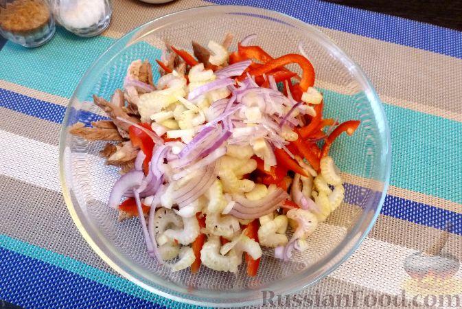 Фото приготовления рецепта: Мясной салат со сладким перцем - шаг №12
