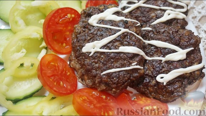 Фото приготовления рецепта: Гречка со сметаной, яйцами и грибами - шаг №13