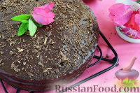 Фото к рецепту: Шоколадный пирог с абрикосовым вареньем