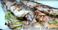 Фото к рецепту: Хек, запеченный в духовке, с луком-пореем