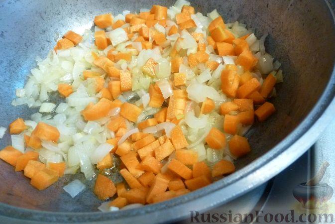 Фото приготовления рецепта: Печеночный паштет с айвой - шаг №6