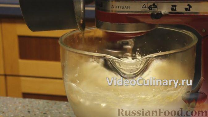 Фото приготовления рецепта: Открытый пирог из песочного творожного теста с яблочно-маковой начинкой - шаг №8