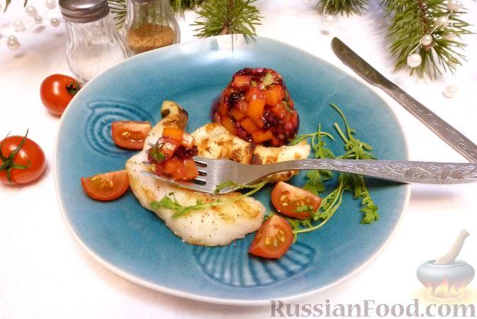Фото приготовления рецепта: Рыба с сальсой из хурмы и клюквы - шаг №11