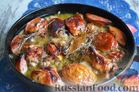 Фото к рецепту: Курица с айвой (в сидре)