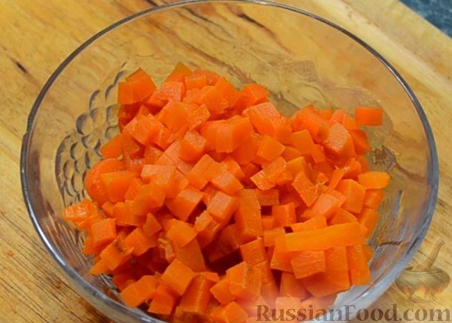 Фото приготовления рецепта: Рагу с курицей, картошкой, тыквой и цветной капустой - шаг №12