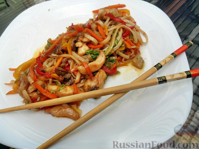 Рецепт Яки удон тори (лапша удон с курицей и овощами)