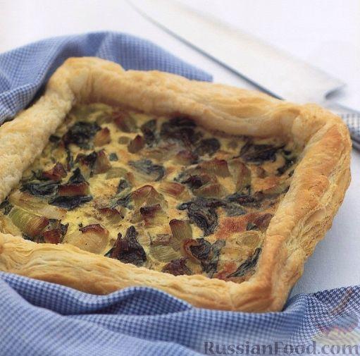 Рецепт Пирог из слоеного теста с луком-пореем и шпинатом