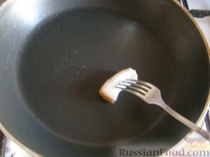 Фото приготовления рецепта: Рулет из лаваша с сельдью, свёклой, морковью и картофелем - шаг №12