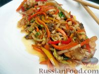 Фото приготовления рецепта: Яки удон тори (лапша удон с курицей и овощами) - шаг №6