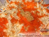 """Фото приготовления рецепта: Салат """"Солнышко"""" - шаг №4"""