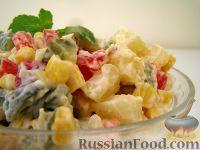 """Фото к рецепту: Овощной салат """"Летнее настроение"""""""