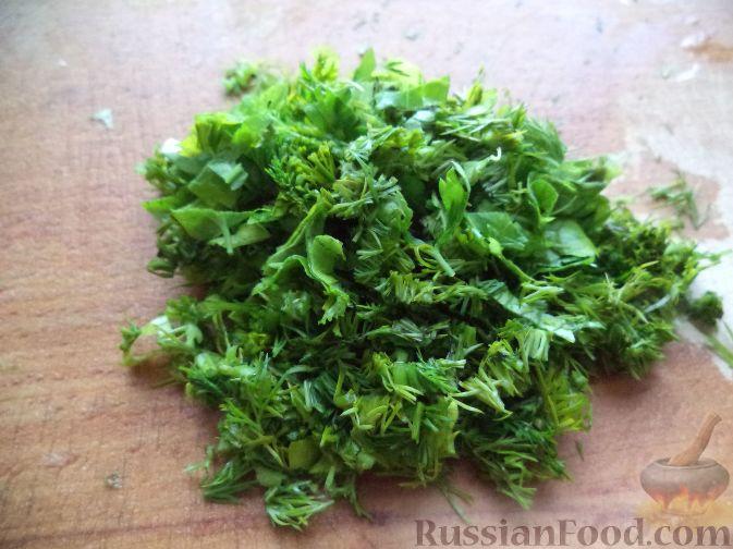 Фото приготовления рецепта: Салат из репы и редьки со сметаной - шаг №7