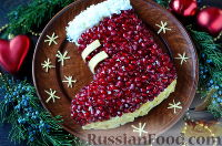 """Фото к рецепту: Салат """"Новогодний сапожок"""""""