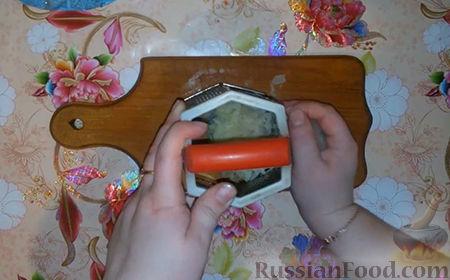 "Фото приготовления рецепта: Салат ""Собачка"" - шаг №6"
