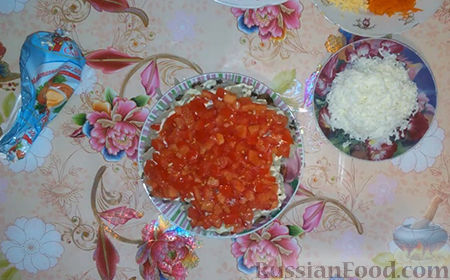 "Фото приготовления рецепта: Салат ""Собачка"" - шаг №12"