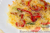 """Фото к рецепту: Салат """"Фунчоза с овощами"""""""