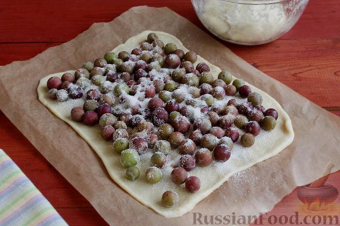Фото приготовления рецепта: Тосканский пирог с виноградом - шаг №12