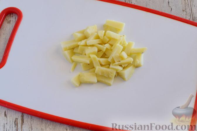 Фото приготовления рецепта: Овощной салат с мандаринами - шаг №2
