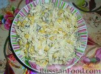 Фото к рецепту: Салат с курицей, кукурузой и яичными блинчиками