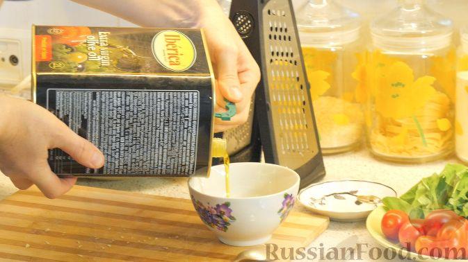 Фото приготовления рецепта: Домашние трюфели из сгущенного молока и какао - шаг №6