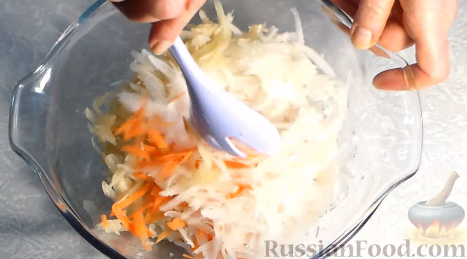 Фото приготовления рецепта: Салат из дайкона - шаг №5