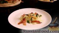 Фото приготовления рецепта: Салат с дыней, прошутто и мятой - шаг №5