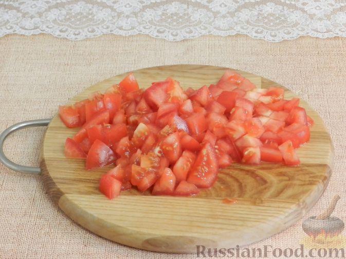 Фото приготовления рецепта: Салат с копченой курицей и яблоком - шаг №4