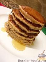 Фото к рецепту: Цельнозерновые панкейки (американские оладьи)